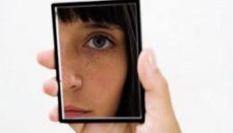 kvinna spegel