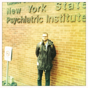 Volen posing outside New York State Psychiatric Institute, encouraging you not to smoke