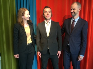 Oh yeah, he did it. Erik Andersson, PhD, being admired by Sabine Wilhelm and Christian Rück.